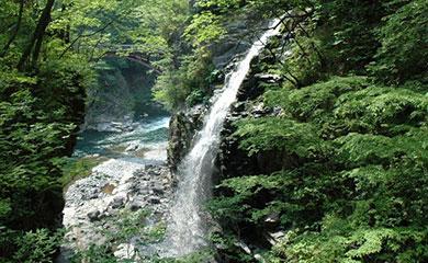 塩原温泉郷の滝